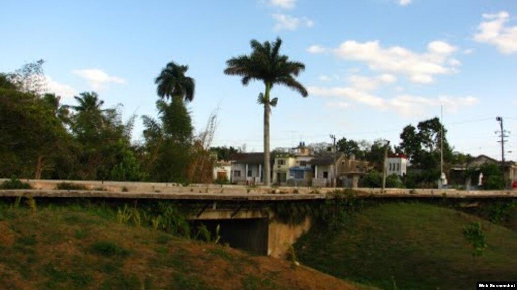 Vista del puente viejo de Calabazar.