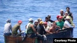 Cubanos interceptados en el mar tratando de llegar a Estados Unidos. Archivo.