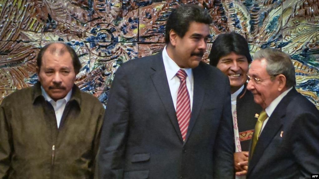 En la foto Daniel Ortega, Nicolás Maduro, Evo Morales y Raúl Castro.