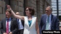 Jeffrey DeLaurentis y Roberta Jacobson fueron parte de la delegación estadounidense que paseó por La Habana.