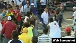 Opositor golpeado en misa del papa en Cuba
