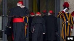 Fotografía de archivo. Cardenales.