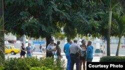 Denuncian represión de activistas en el Parque Central