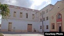 Una primaria funcionaba donde radicó en el siglo XVI el Convento de San Francisco