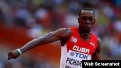 Pedro Pablo Pichardo ganó medalla de plata en Pekín.
