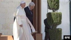 El papa Francisco en Belén con el gobernante palestino Mahmoud Abbas