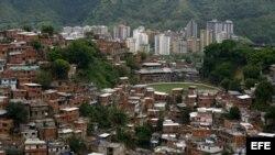 Vista general del barrio de Petare, al este de Caracas, uno de los más violentos y marginales de la capital venezolana