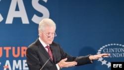 El exmandatario estadounidense Bill Clinton habla durante la clausura de la conferencia Futuro de las Américas organizada por la Fundación Clinton en Coral Gables.