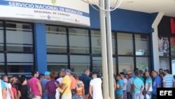 Cubanos en Panamá reclaman ser incluidos en vuelos a México