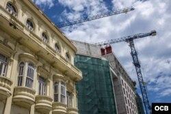 Hoteles de lujo en construcción en La Habana. Foto Makintalla.