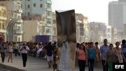 El Malecón, uno de los recientes escenarios de la Bienal de Arte de La Habana, sufrió severas inundaciones por Irma.