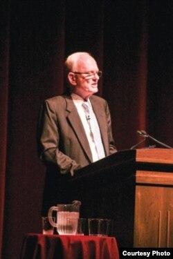 James Olson, ex directivo de la CIA, considera a China, Rusia y Cuba las tres peores amenazas para la contrainteligencia de EEUU.