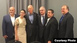 Encuentro del gobernador Scott en el Doral con opositores venezolanos y cubanos.