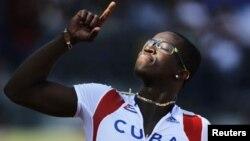 Para poder correr en los Juegos de Río 2016, Robles tendría que tener cuanto antes otra nacionalidad.