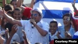 Piden a Jonh Kerry que no permitan entrada de músico cubano a EEUU