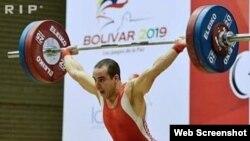 El pesista cubano Julio Acosta competirá por Chile en las olimpíadas de Río de Janerio.