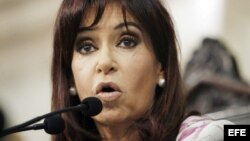 Los académicos denunciaron que el adoctrinamiento favorece al partido de la presidente Cristina Fernández.