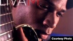 """El cantautor cubano Livam, en la portada de su nuevo álbum """"Agua de Sal""""."""