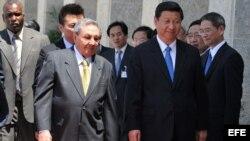 El presidente cubano, Raúl Castro y el presidente chino, Xi Jinping (Foto archivo 2011)