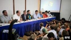 Oposición venezolana denuncia la reubicación de centros de voto.