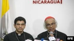 El cardenal de Nicaragua, Leopoldo Brenes en conferencia de prensa