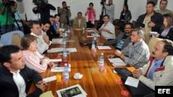 Advierten a FARC que si viajan a Venezuela serán detenidos por Interpol