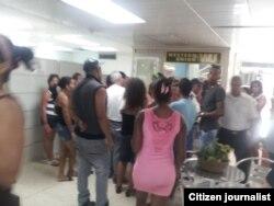 Reporta Cuba Colas en Western Union
