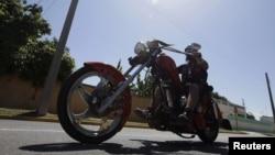El primer encuentro nacional de las Harley Davidson ha sido una iniciativa independiente de los propietarios de esas motocicletas.