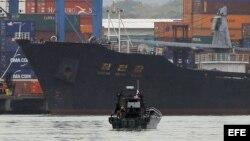Archivo: Vista del barco norcoreano Chong Chon Gang que transportaba armas de guerra cubanas.