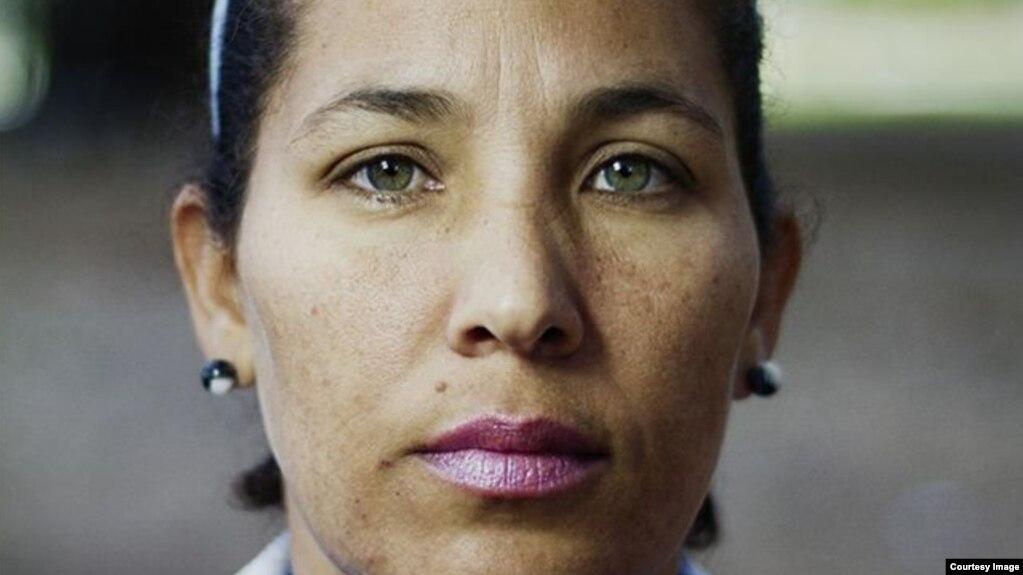 La Dama de Blanco, Lismery Quintana.