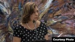 Los nuevos embajadores cubanos ocupan sus puestos, ¿y Josefina Vidal?