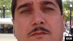 1800 Online con el ingeniero electrónico cubano Leonit Carbonell