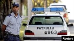Una patrulla policial en las calles de La Habana.