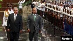 El mes pasado el presidente de México, Felipe Calderón, estuvo de visita en La Habana para renovar las relaciones.
