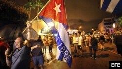 Fidel Castro muere a los 90 años.