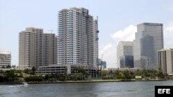 Vista general del centro financiero de la ciudad de Miami, Florida.