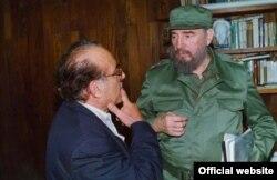 "Max Lesnik y Fidel Castro. Fotograma del documental ""The Man of Two Havanas"", dirigido por Vivien Lesnik Weisman. Tomado de www.tribecafilm.com"