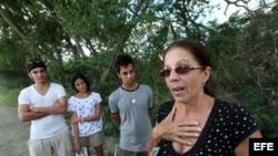 Ofelia Acevedo, viuda de Paya.
