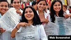 Estudiantes de la Escuela Latinoamericana de Medicina