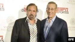 Stephen Ross y el empresario Jorge Pérez (d-i). Archivo.