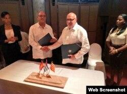 Firma de acuerdo en La Habana entre ProCuba y Cataluña (Acció).