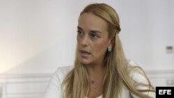 """Lilian Tintori, durante la entrevista concedida a EFE en la que ha asegurado que """"hay una militarización de la justicia en Venezuela""""."""
