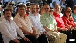 Los espías de la Red Avispa Fernando González, Ramón Labañino, Gerardo Hernández, Antonio Guerrero, René González y su esposa Olga Salanueva.