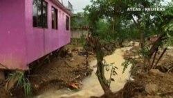 El paso de la tormenta Earl por México deja 40 fallecidos