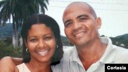 Andrés Carrión y su esposa Aliuska.
