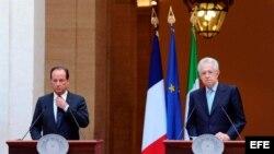 El primer ministro italiano, Mario Monti (izquierda), y el presidente francés, Franois Hollande (derecha).