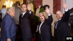 Expresidentes acompañan proceso electoral en Venezuela