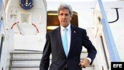 El secretario de Estado estadounidense John Kerry a su llegada a Tel Aviv, el 31 de marzo de 2014.