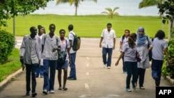 Estudiantes extranjeros becados en Cuba.