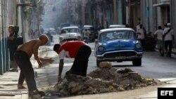 El impacto del período especial todavía pesa sobre la economía cubana, afirma un estudio del BID. (Archivo)